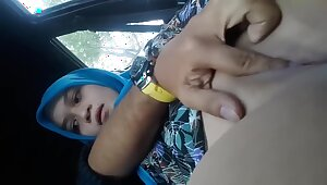 Fingering Hijab Girlfriend In The Car